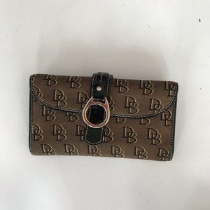 Dooney & Bourke Black Tan patent leather wallet